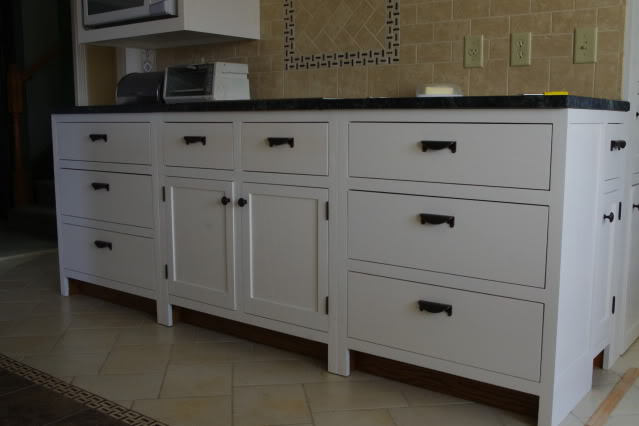 how to clean greasy kitchen cabinet hinges